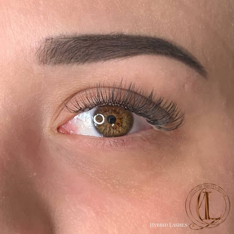 Natural Hybrid Eyelash Extensions