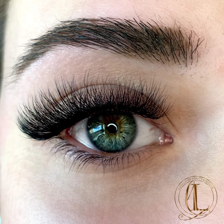 Volume Lashes on Green Eyes